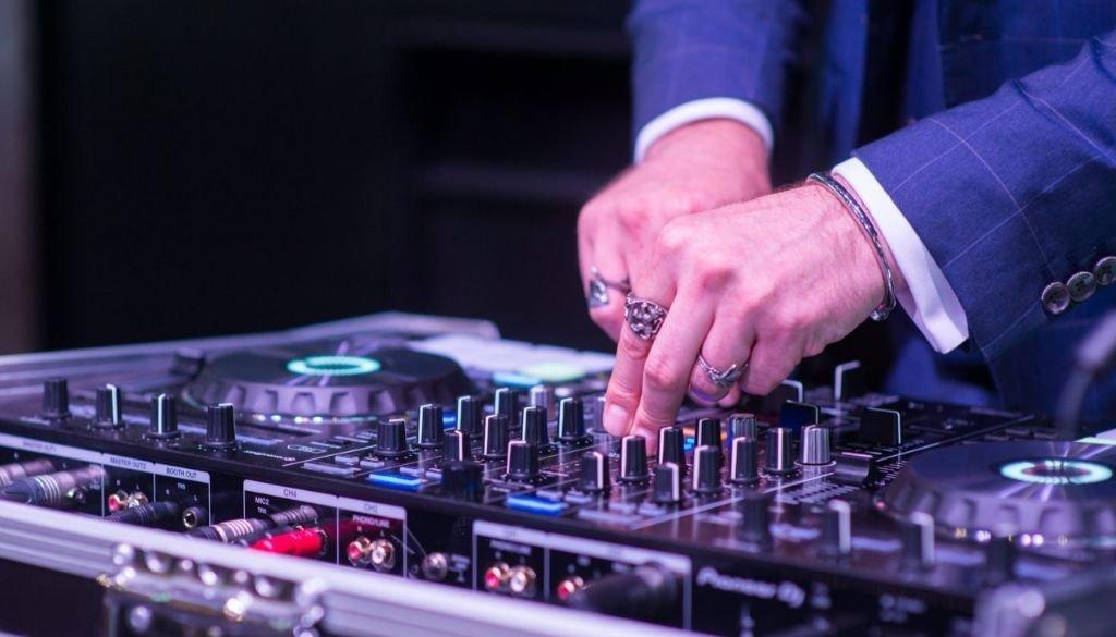 DJ EDDY DECKS